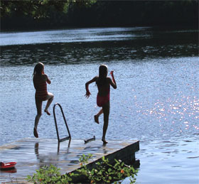 Moncks Corner: kids enjoy the water